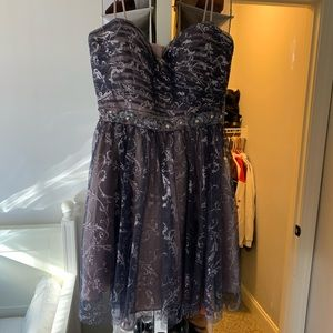 Dresses - Short formal dress